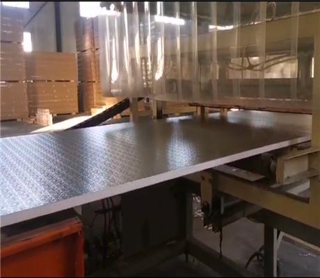 复合铝箔酚醛保温板图片